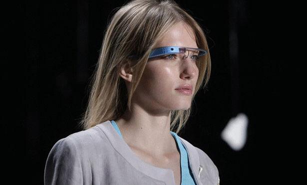 النظارة الذكية تترجم من لغة إلى أخرى