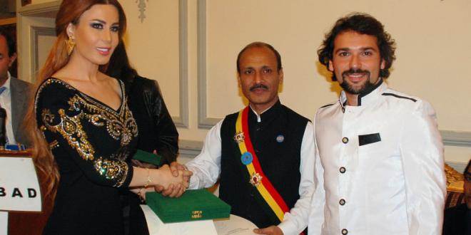 """فيفيان مراد تلتقي الجمهور الباكستاني وتعود حاملة """"الكارت الدبلوماسي"""""""