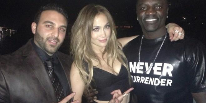 بعد تامر حسني المخرج العالمي Tarik Freitekh يجمع Akon بـ Jennifer Lopez