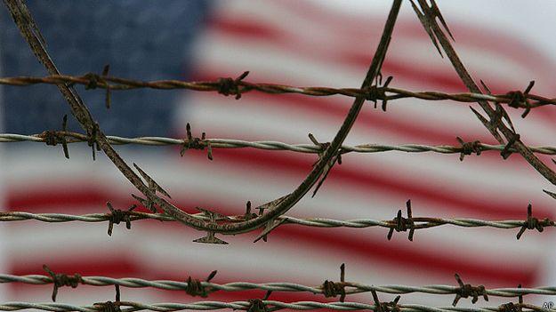 الأمم المتحدة تطالب بمعاقبة الأمريكيين المسؤولين عن تعذيب متهمين بالارهاب.