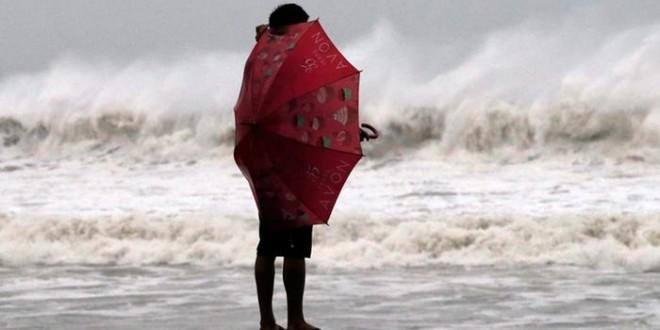 إعصار هاغوبيت يسوي منازل بالأرض في الفيليبين.