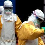 خبراء: الاستعانة بالناجين من إيبولا مهم لاحتواء الوباء.