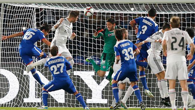 ريال مدريد يسحق كروز أزول ويصعد لنهائي مونديال الأندية.