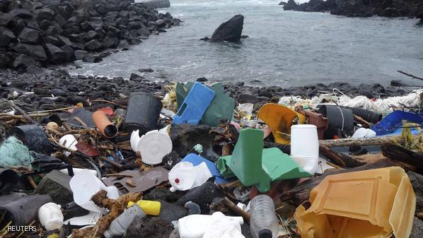 269 ألف طن من البلاستيك في المحيطات تهدد الكائنات البحرية.