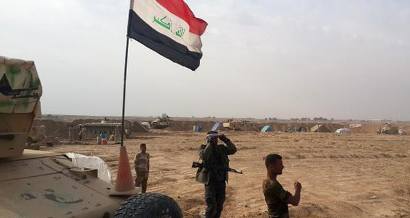 """""""داعش"""" يتكبد عشرات القتلى بمعارك في العراق."""