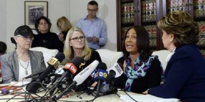 ثلاث سيدات أخريات يتهمن الممثل الأمريكي بيل كوسبي بالاغتصاب.