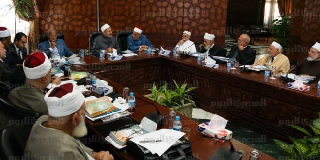 الأزهر وهيئات إسلامية تدين عدد شارلي إبدو الجديد.