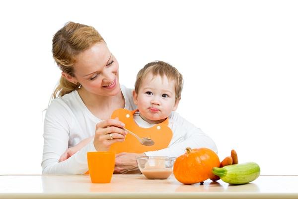 هل تضر العصائر بصحة الأطفال الرضع؟