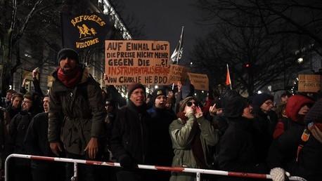 حوالي 100 ألف في شوارع ألمانيا يتظاهرون ضد حركة معادية للإسلام.