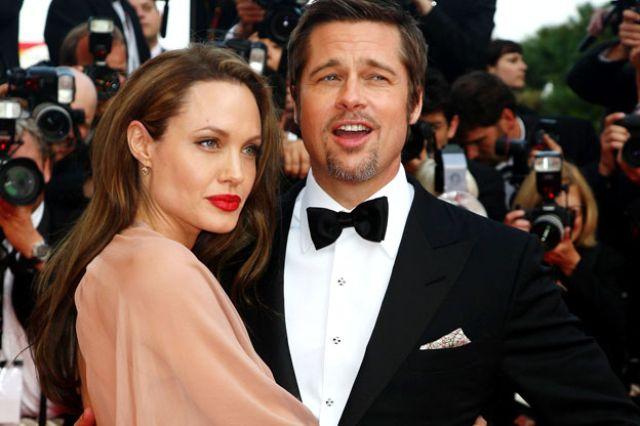 """بعد 10 سنوات من زواجهما…هذا ما قالته """"أنجلينا جولي"""" عن """"براد بيت"""""""