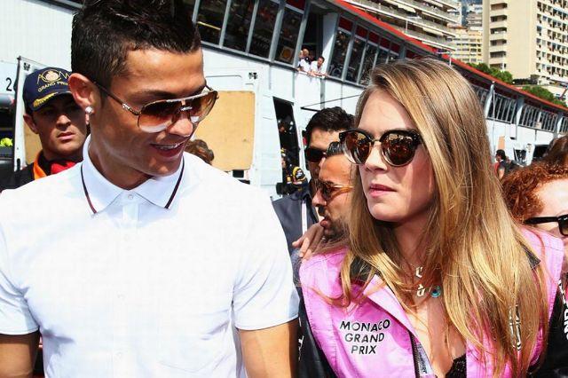 رونالدو يظهر مع عارضة أزياء خارقة الجمال في سباق للفورمولا 1.
