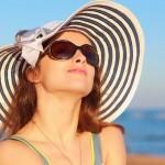 نصائح فعّالة للعناية بجمال عينيك خلال فصل الصيف.