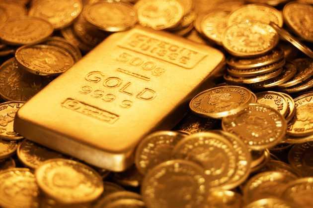 الذهب يتراجع تحت ضغط الدولار.