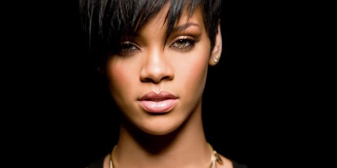 ريهانا تتصدر قائمة المبيعات الرقمية بـ100 مليون نسخة.