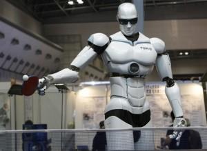 روبوت يستطيع أن يلعب كرة الطاولة يعرض في طوكيو