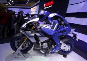 روبوت يقدر على السير بدراجة نارية بسرعة 75 ميلا في الساعة يعرض في طوكيو