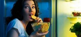 دراسة جديدة تثبت أن تناول الطعام في وقت متأخر من الليل يسبب الغباء