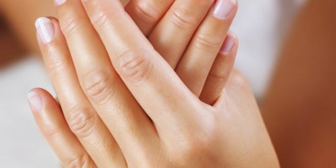 برودة الأطراف مرض وراثي في أغلب الأحيان.. ويصيب النساء أكثر من الرجال