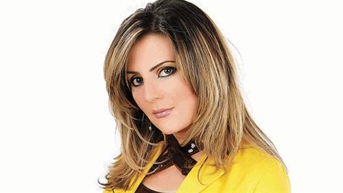 رانيا محمود ياسين تنفي وقفها عن العمل