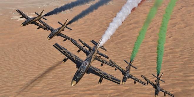 فريق فرسان الإمارات يذهل جمهور سباق جائزة الاتحاد لطيران باستعراضيين جويين