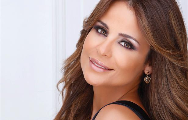 كارول سماحة تصور لبنان على طريقة الفيديو كليب