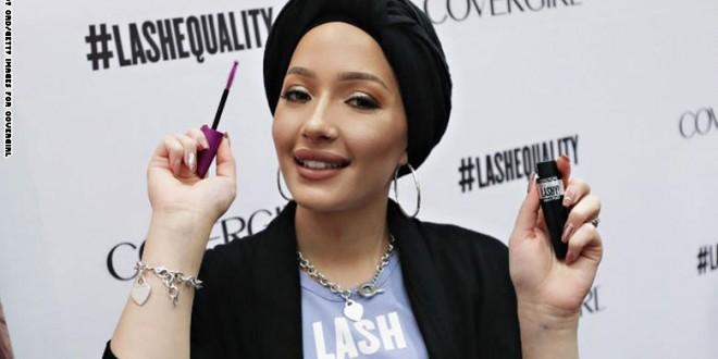 """""""كوفر غيرل"""" لمساحيق التجميل تختار مدونة محجبة سفيرة لها"""