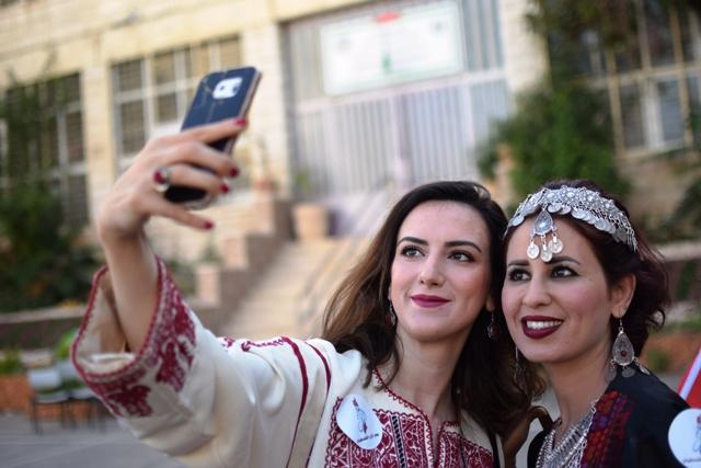 77d0935453940 ثوب الوطن.. الزي الفلسطيني يروي تاريخ الأرض والإنسان