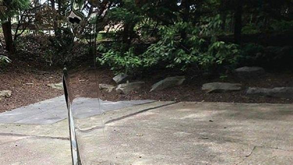 """صورة سيارة """"غير مرئية"""" تثير دهشة مستخدمي مواقع التواصل الاجتماعي"""