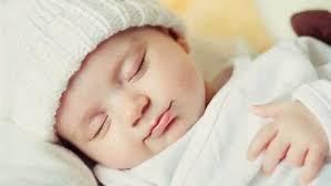 4 طرق لتدفئة الأطفال التي ترفض الغطاء في الشتاء
