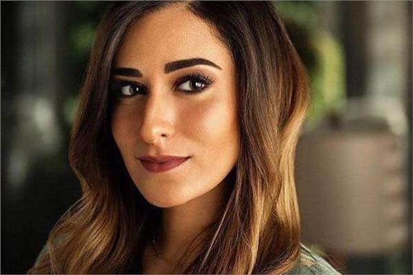 أمينة خليل تنفى استخدام دماء حيوانات بفيلم 122