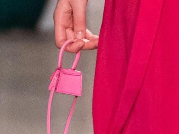 بحجم أغرب من الخيال .. هذه أصغر حقيبة يد في العالم