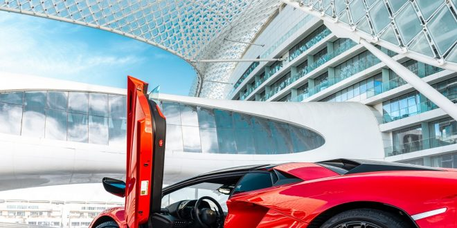 لامبورغيني 'أفينتادور إس رودستر' تفوز بجائزة أفضل سيارة فائقة الأداء ضمن حفل MECOTY لسيارة العام 2019 في الشرق الأوسط