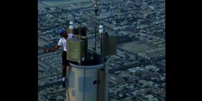 ولي عهد دبي يستعرض سحر المدينة من أعلى قمتها